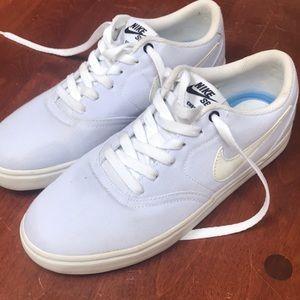 Nike SB canvas white size 9